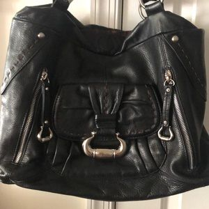 B. Makowsky soft leather purse